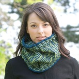 Cascade Yarns C217 Post & Rail Cowl (Free)