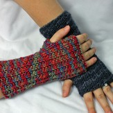Gardiner Yarn Works Seeded Rib Wristwarmers PDF
