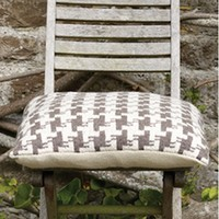 Houndstooth Cushion (Free)